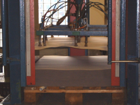 Taking sheets from pallet by vertical robot - Indutex - Gerex coating
